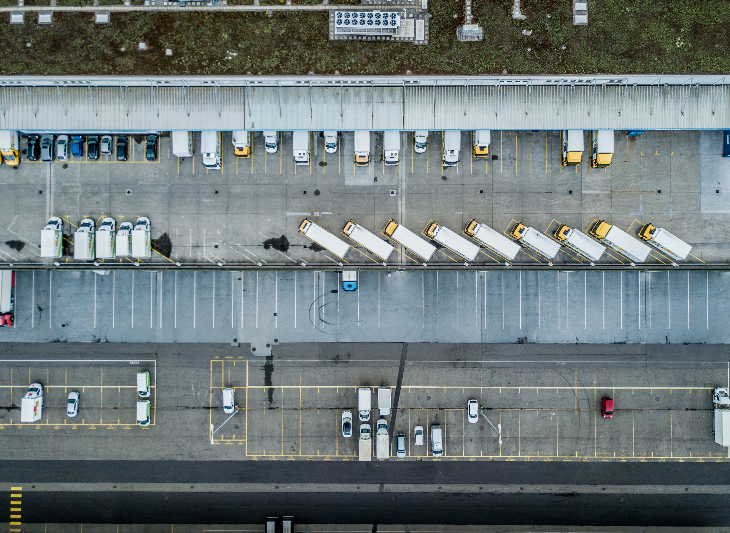 In future, a large proportion of urban freight traffic will continue to be handled by road, with trucks and delivery vans distributing goods from logistics centres.