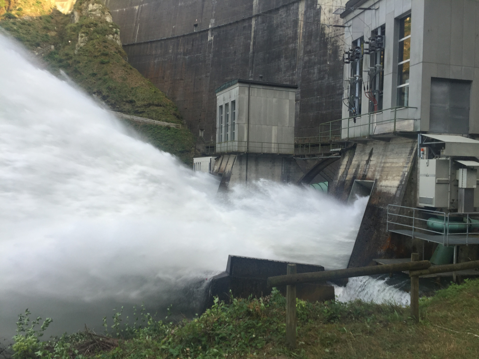 At the foot of the Rossens dam, the water shoots out of the locks.