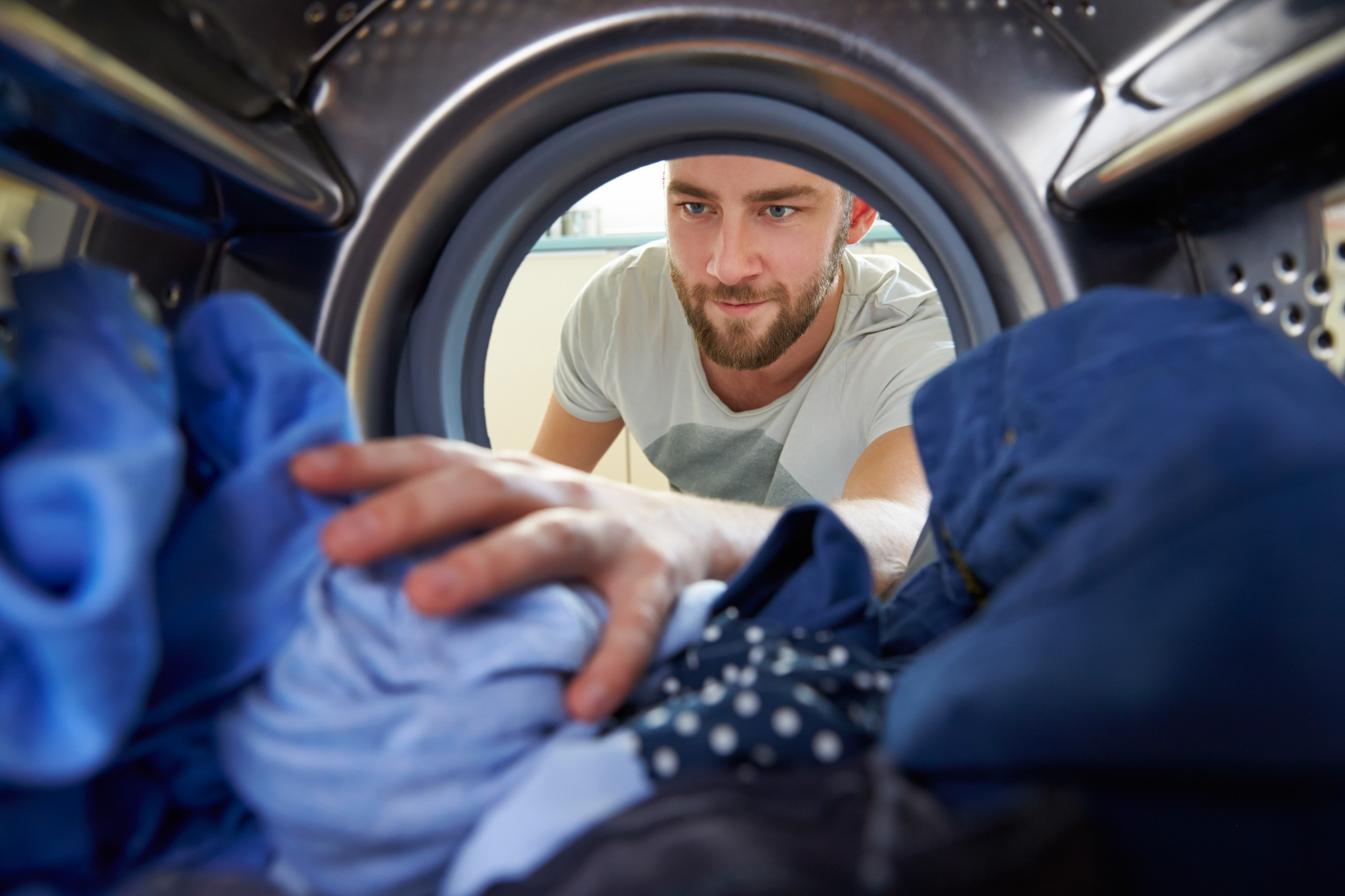 Washing requires electricity. Those who wash frequently therefore also use more electricity. This situation can be changed – ideally through social learning.